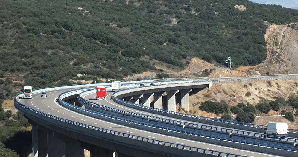 Driving in Spain - rules and roads on